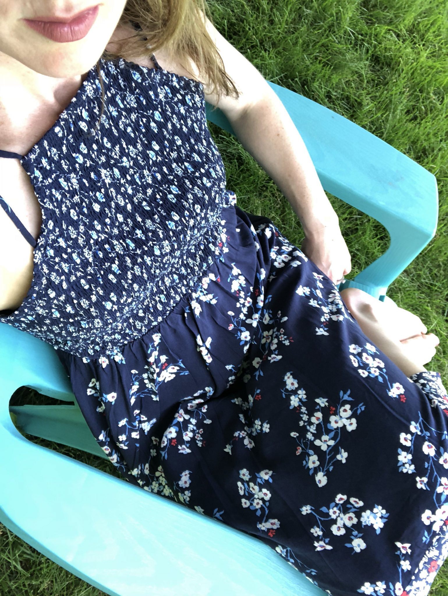 Relaxing in my floral dress for summer and why you need one #maxidress #sumemrstyle