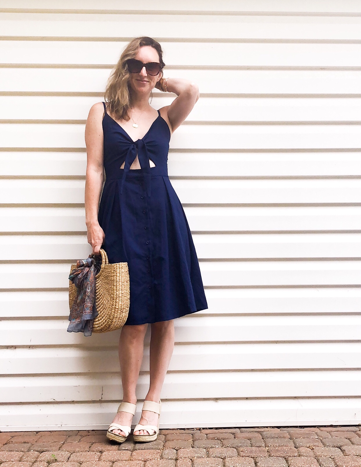 sweet navy day dress for summer #dress #summerstyle #afforablefashion #strawhandbag #everydaystyle