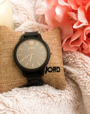 A favorite new accessory plus a giveaway #jordwatch #woodenwatches