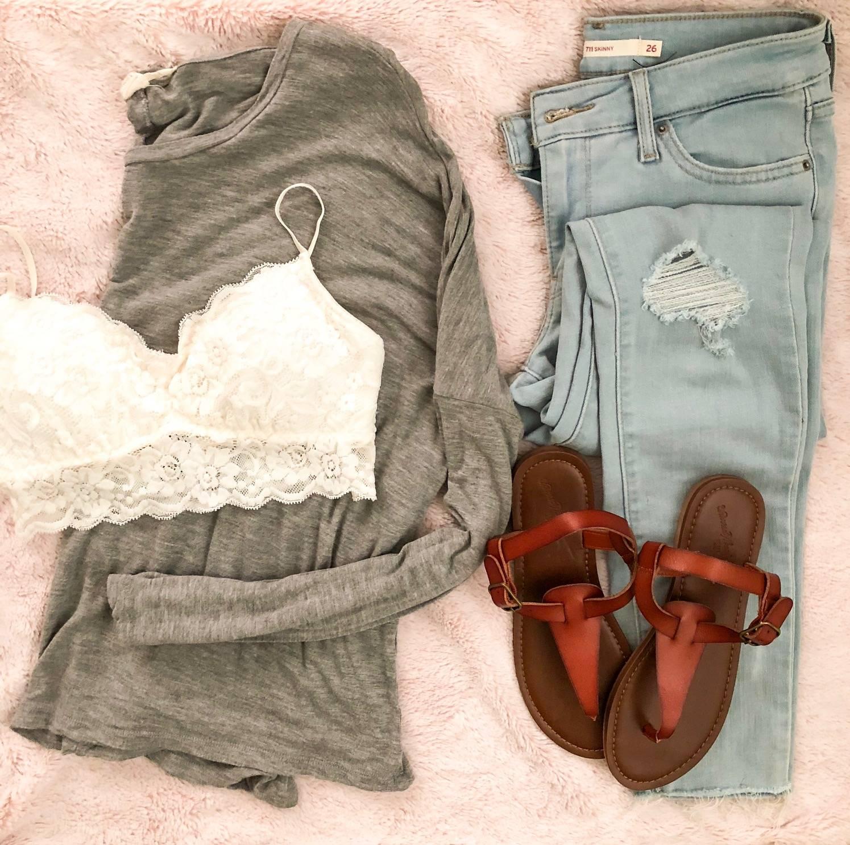 Daily Splendor - August Instagram Roundup #flatlay #fashion #Jeans