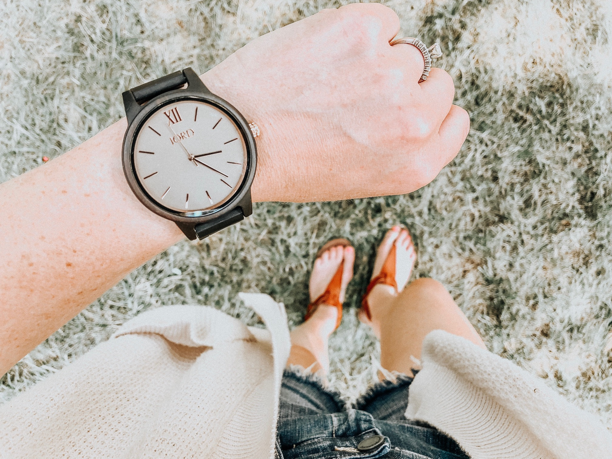Daily Splendor - August Instagram Roundup #casualllook #watch #jordwatch