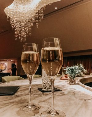 Girls weekend in Chicago #girlstrip #weekendtrip #chicago #champagne #bubbly