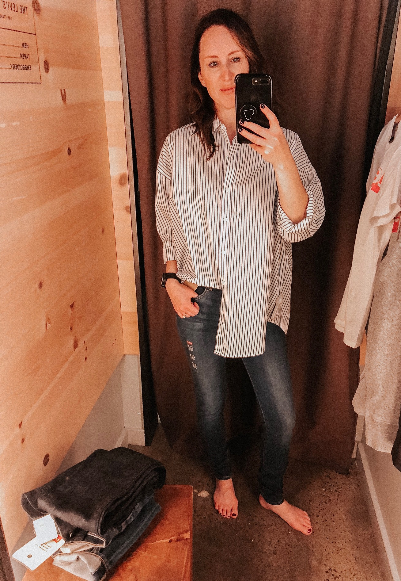Daily Splendor | Levi's Try On Session #levis #denim #jeans #casualstyle #buttondown