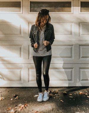 Faux leather leggings styled 3 ways #fauxleather #leggings #fallfashion #streetstyle #casuallook #fallstyle #converse #fashionblog #momstyle