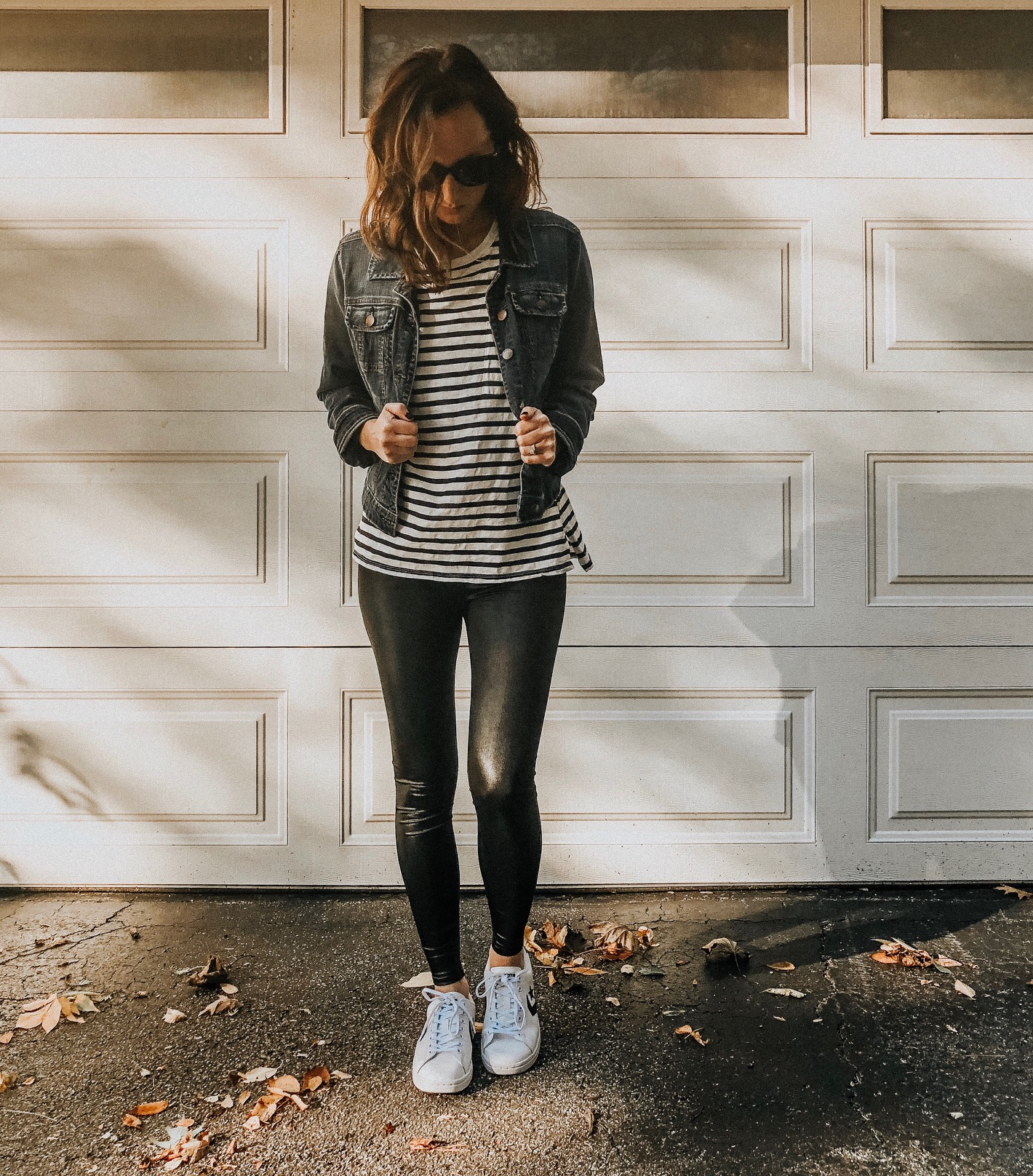 Daily Splendor | Life and Style Blog. Casual look with faux leather leggings #fallfashion #momfashion #casuallook #fashionblog