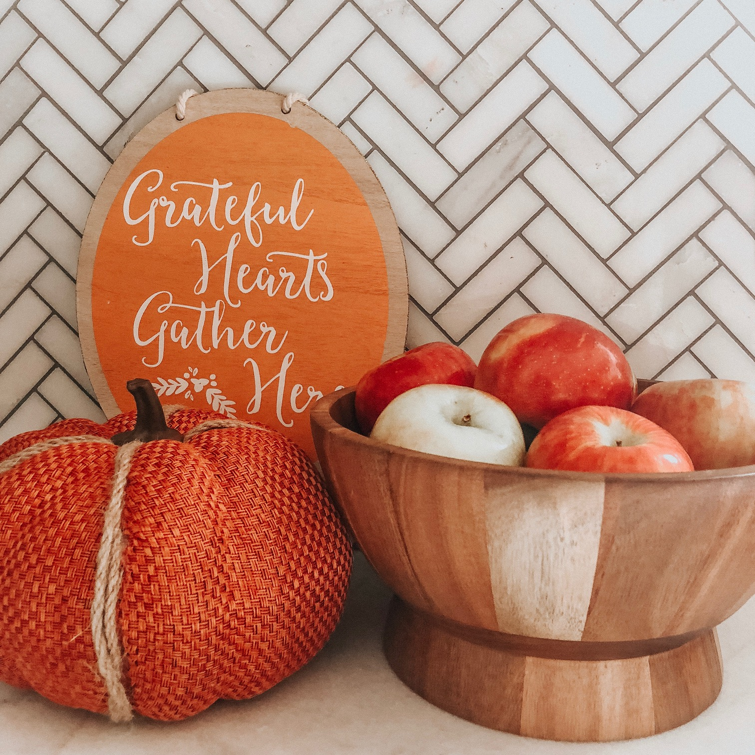 Daily Splendor Life and Style Blog | Friday Splendors 10/19 #fallstyle #homedecor #warmandcozy #autumn