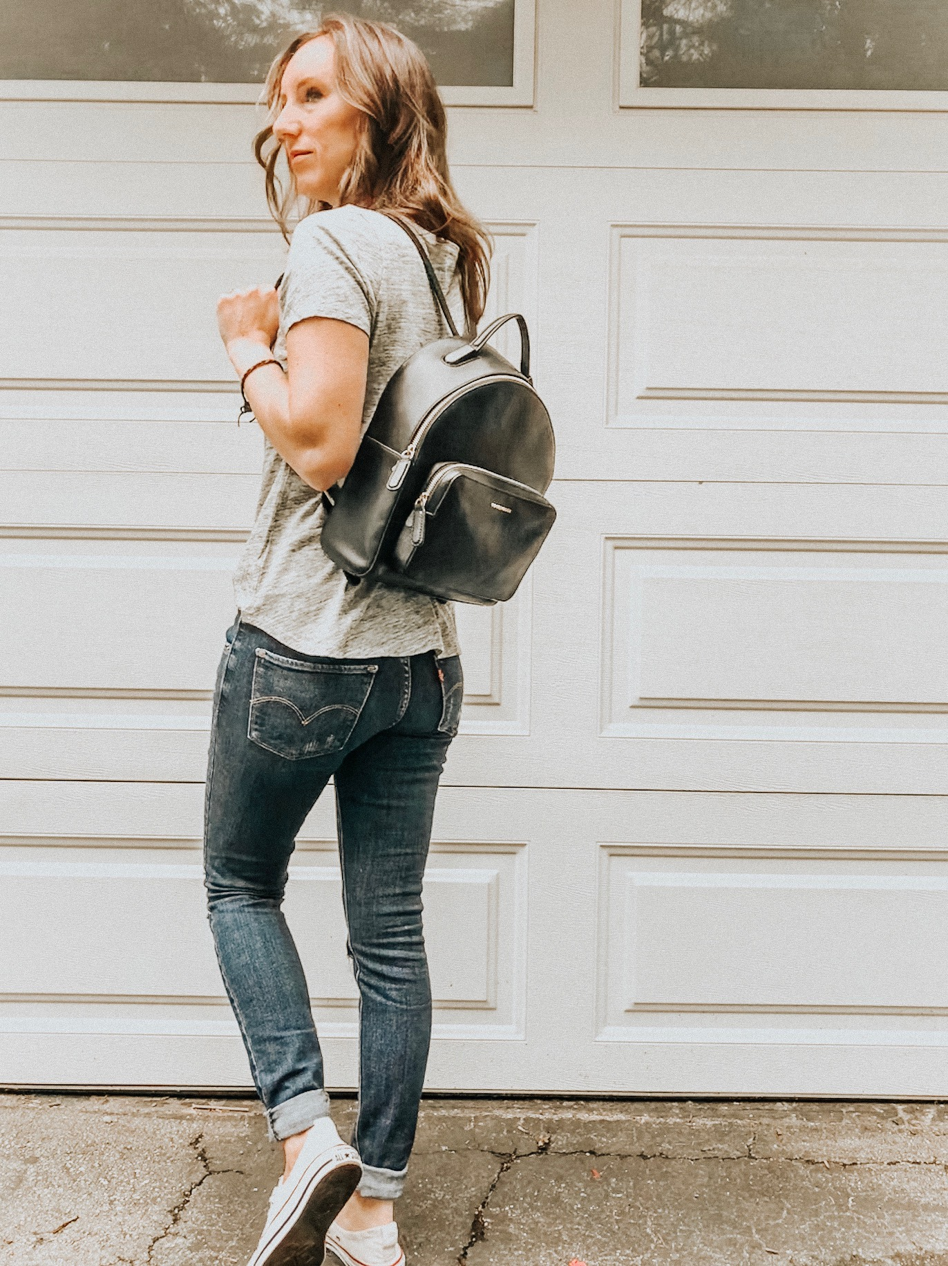 Fall Instagram Favorites | Daily Splendor Life and Style Blog | denim, tee, converse, backpack #casualstyle #casualoutfit #momstyle #everydayfashion #fallstyle #fallneutrals