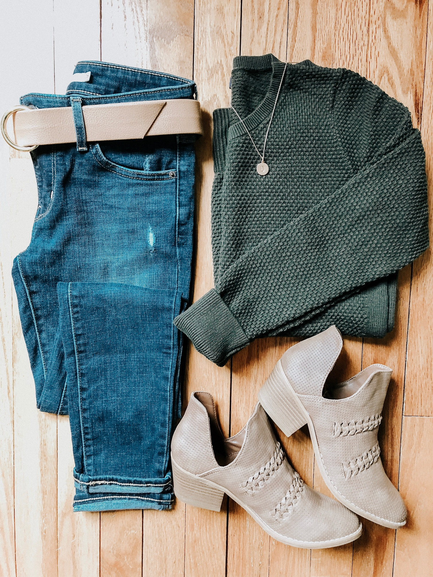 Fall Instagram Favorites | Daily Splendor Life and Style Blog | distressed denim, sweater, booties bag #casualstyle #casualoutfit #momstyle #everydayfashion #fallstyle #fallneutrals