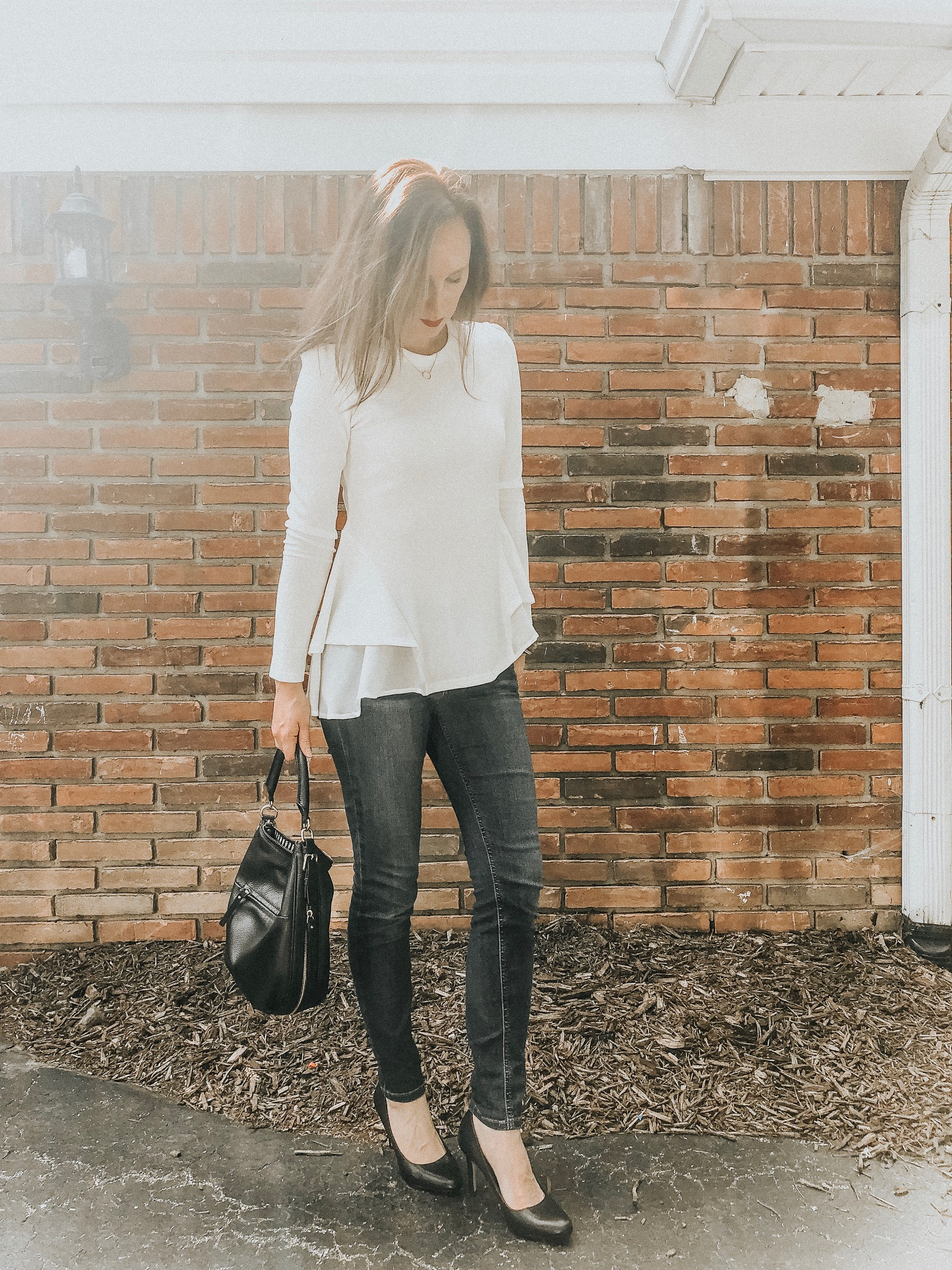 Fall Instagram Favorites | Daily Splendor Life and Style Blog | White top, jeans and pumps #momstyle #everydayfashion #fallstyle #workwear #officewear