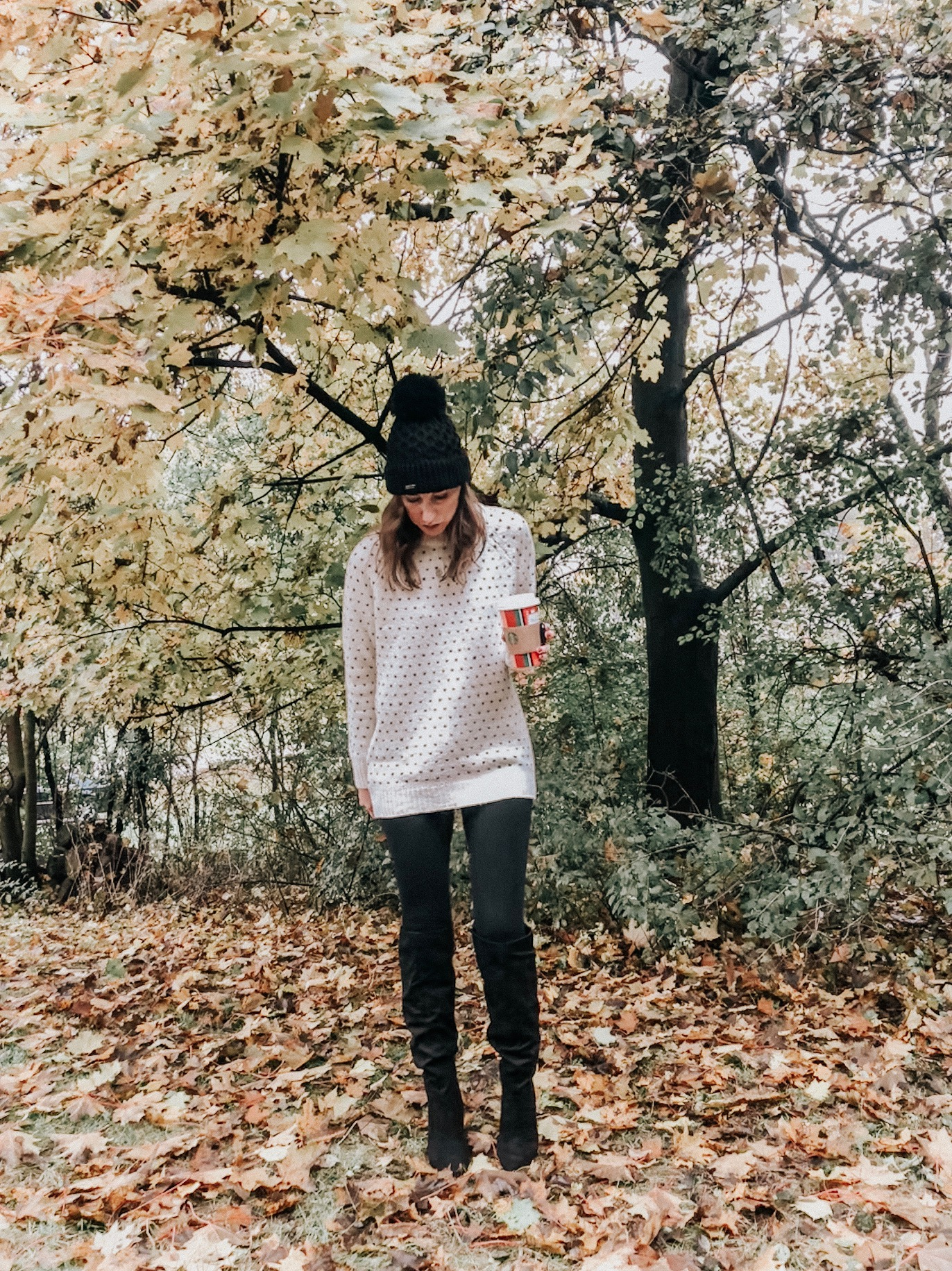 Cozy Winter Style | Daily Splendor Life and Style Blog || sweater, leggings, boots, winter, #winterstyle #winterfashion #sweaterweather #fashionblog