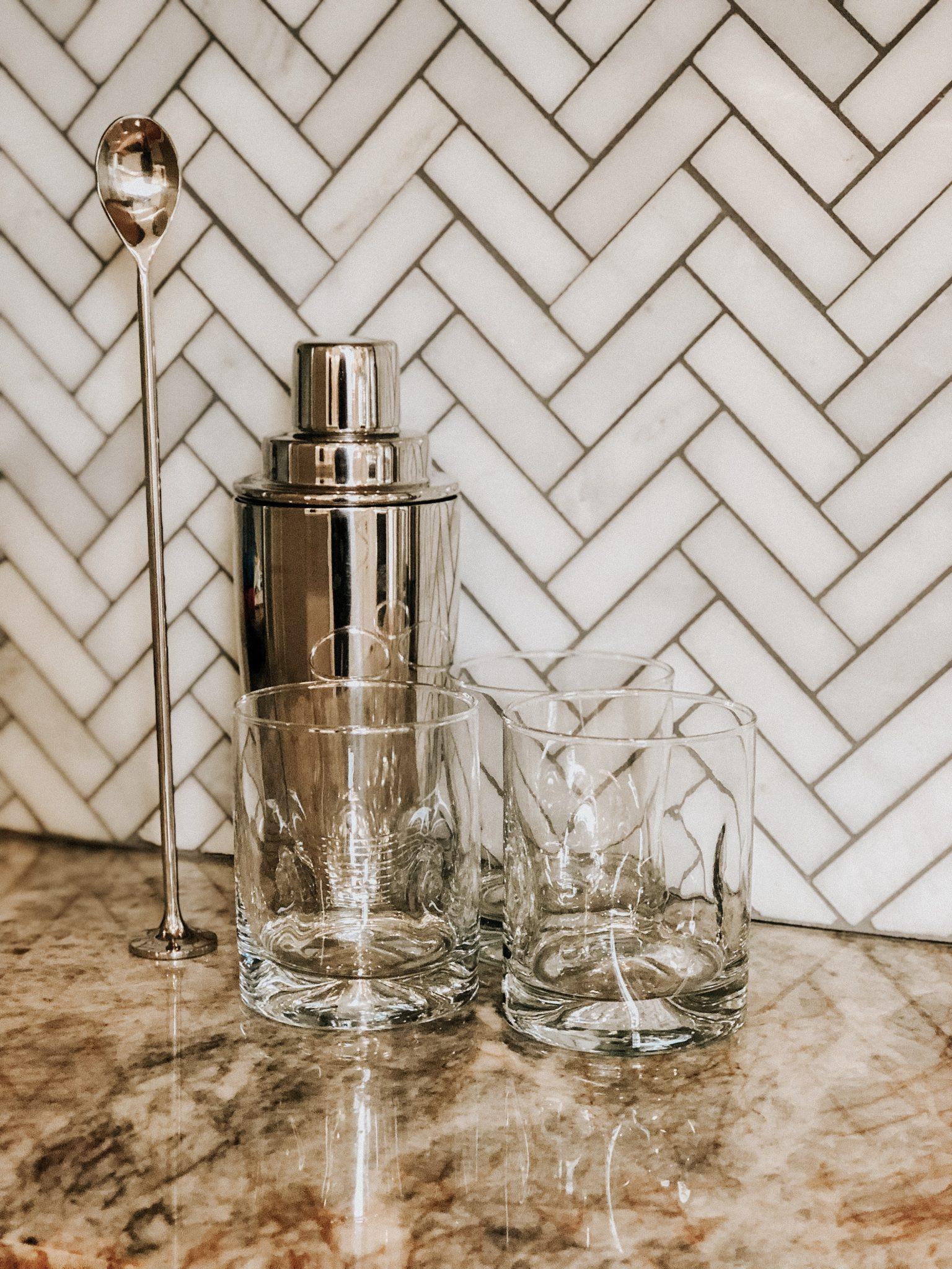 Simple Home Bar Setup | Daily Splendor Life and Style Blog | rocks glass, shaker, muddler, home bar, hostess, hosting #homebar #cocktails #entertaining #mixeddrinks