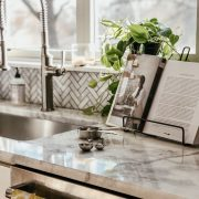 Friday Splendors | Daily Splendor | Kitchen decor, home decor, white kitchen #cookbook #cooking #kitcheninspiration #kitchenideas