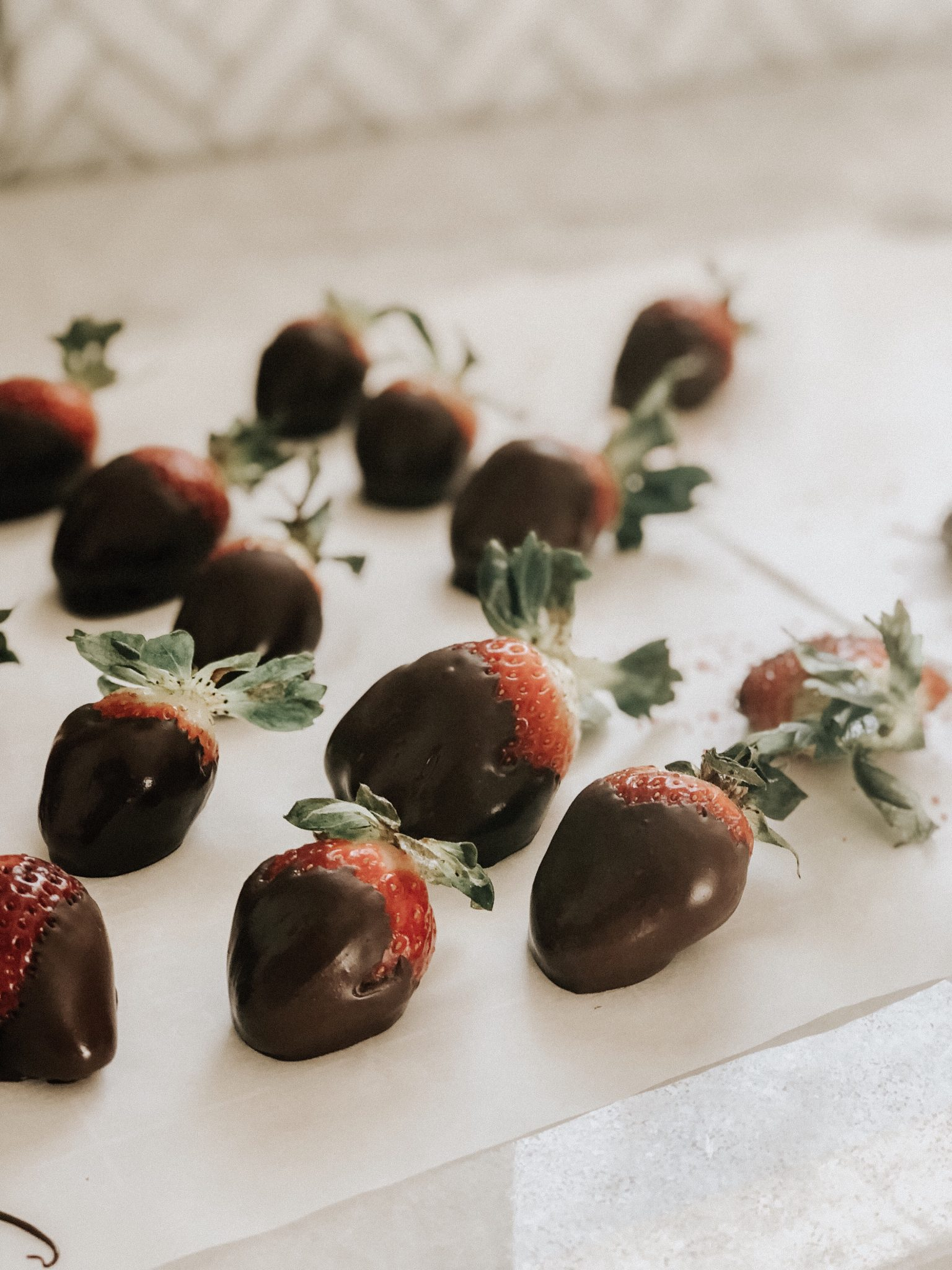 Valentines treat | Daily Splendor #valentines #chocolate #strawberries