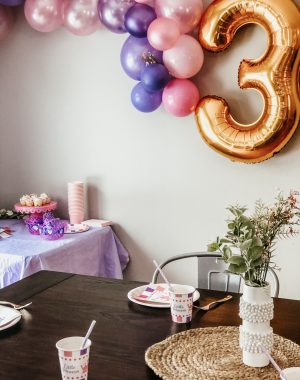 Cutest princess party made easy | Daily Splendor Life and Style Blog | Sprinkles and Confetti | birthday party, girls party, party box, party decorations #birthdaydecorations #partysupplies #balloongarland #princessparty #sponsored