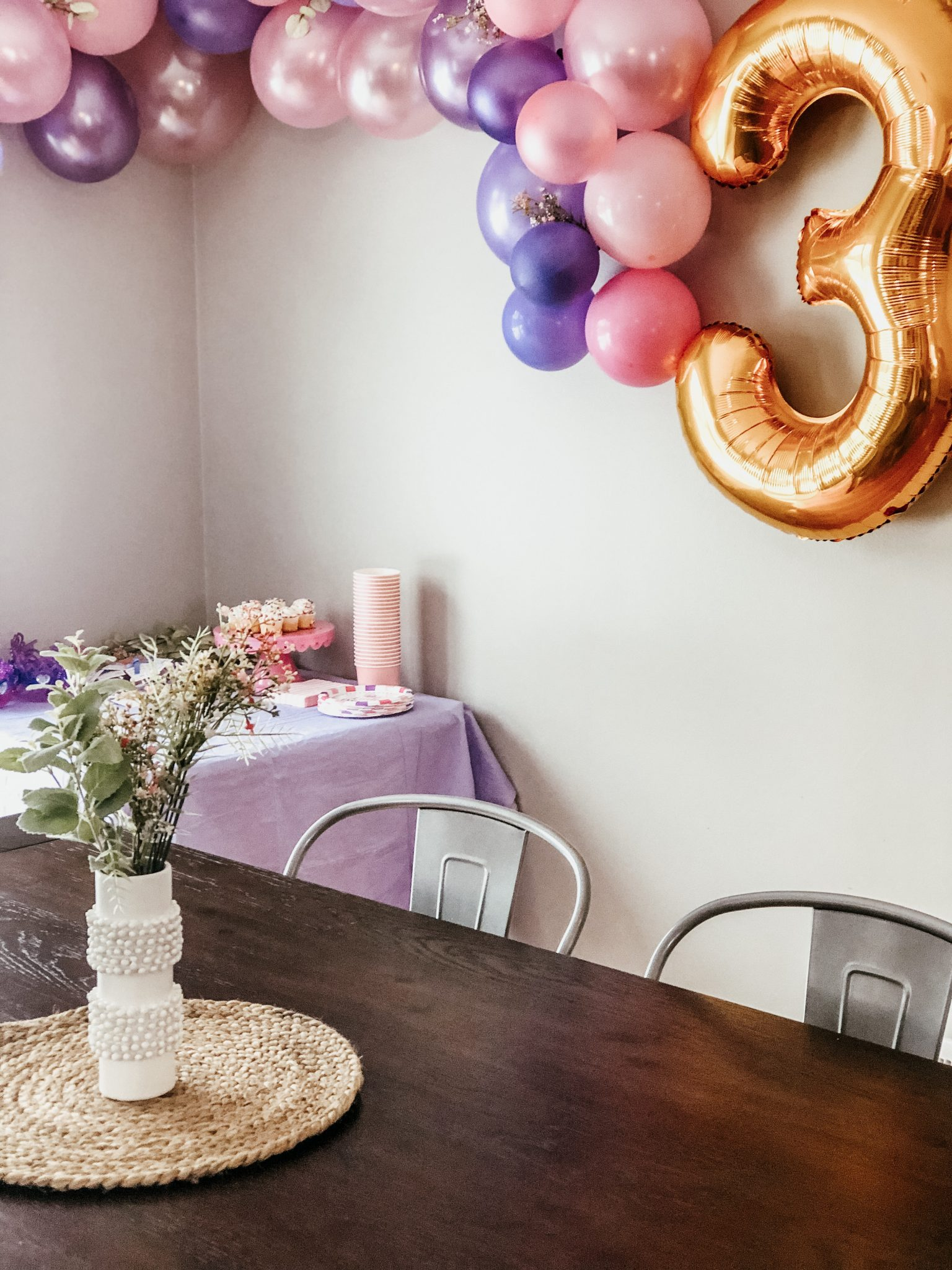 Cutest princess party made easy | Daily Splendor Life and Style Blog | birthday party, girls party, party box, party decorations #birthdaydecorations #partysupplies #balloongarland #princessparty #sponsored