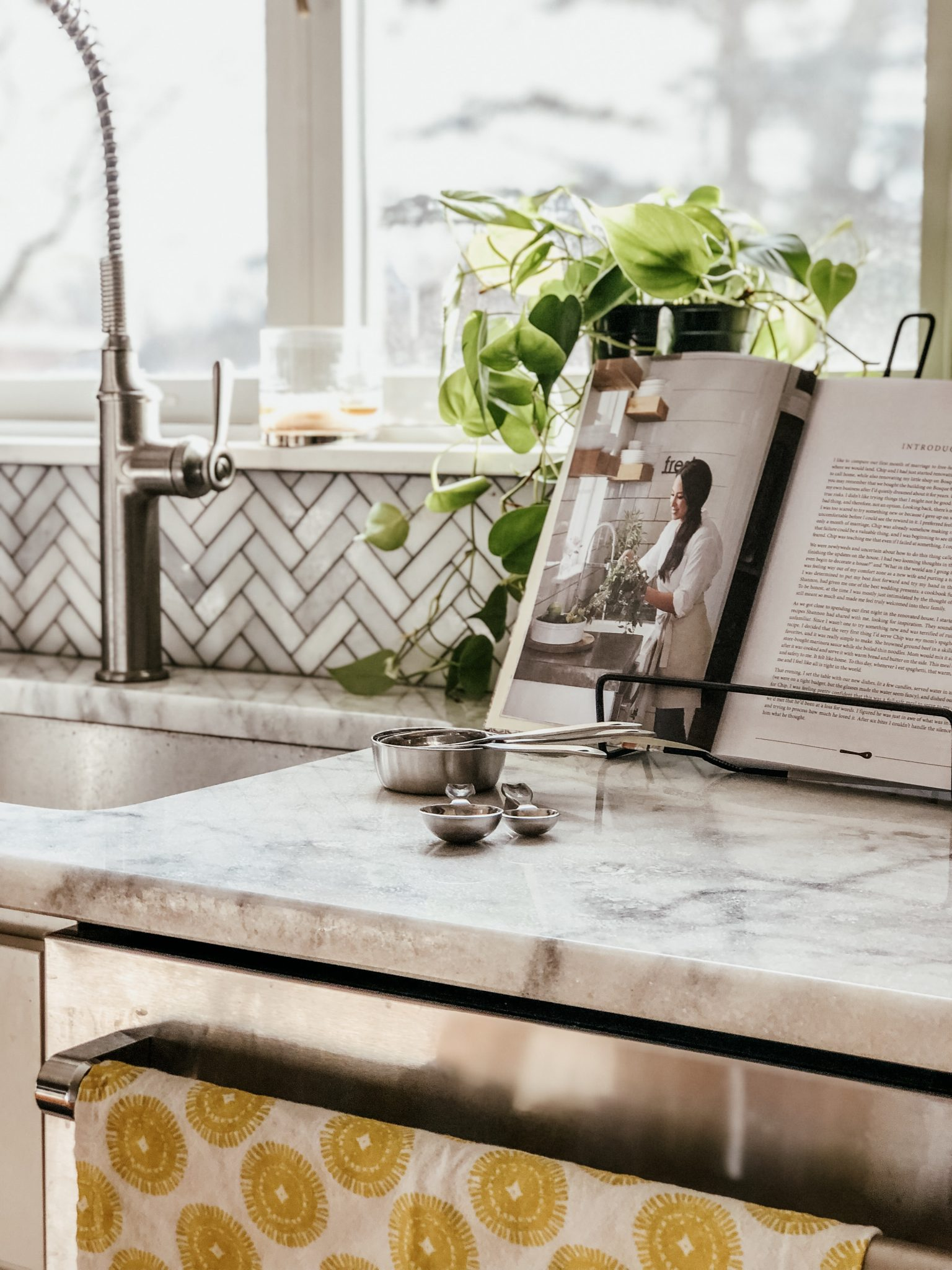 Target Decor Finds | Daily Splendor Life and Style Blog | home decor, kitchen decor, fixer upper style #farmhousestyle #farmhousedecor #kitcheninspo #targetstyle #targetfinds #homestyle