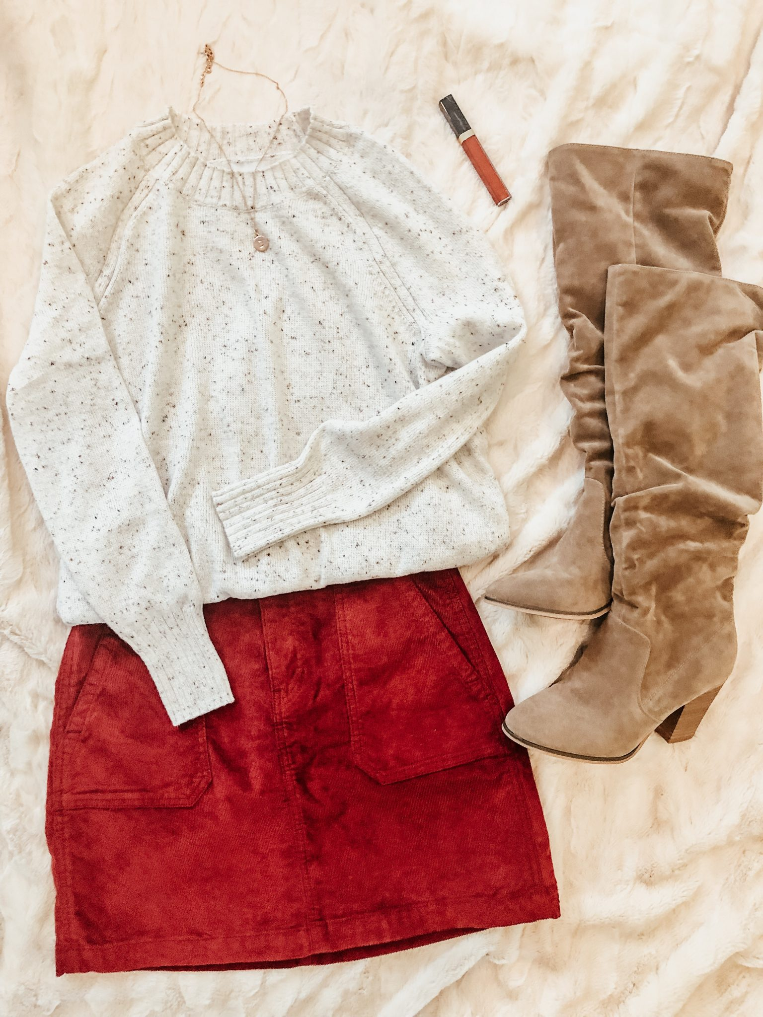 Shoe capsule for fall | Daily Splendor Life and Style Blog | #fallshoes #shoeroundup #shoecapsule #boots #flatlay #corduroy #fallstyle #momstyle #casualstyle #targetstyle