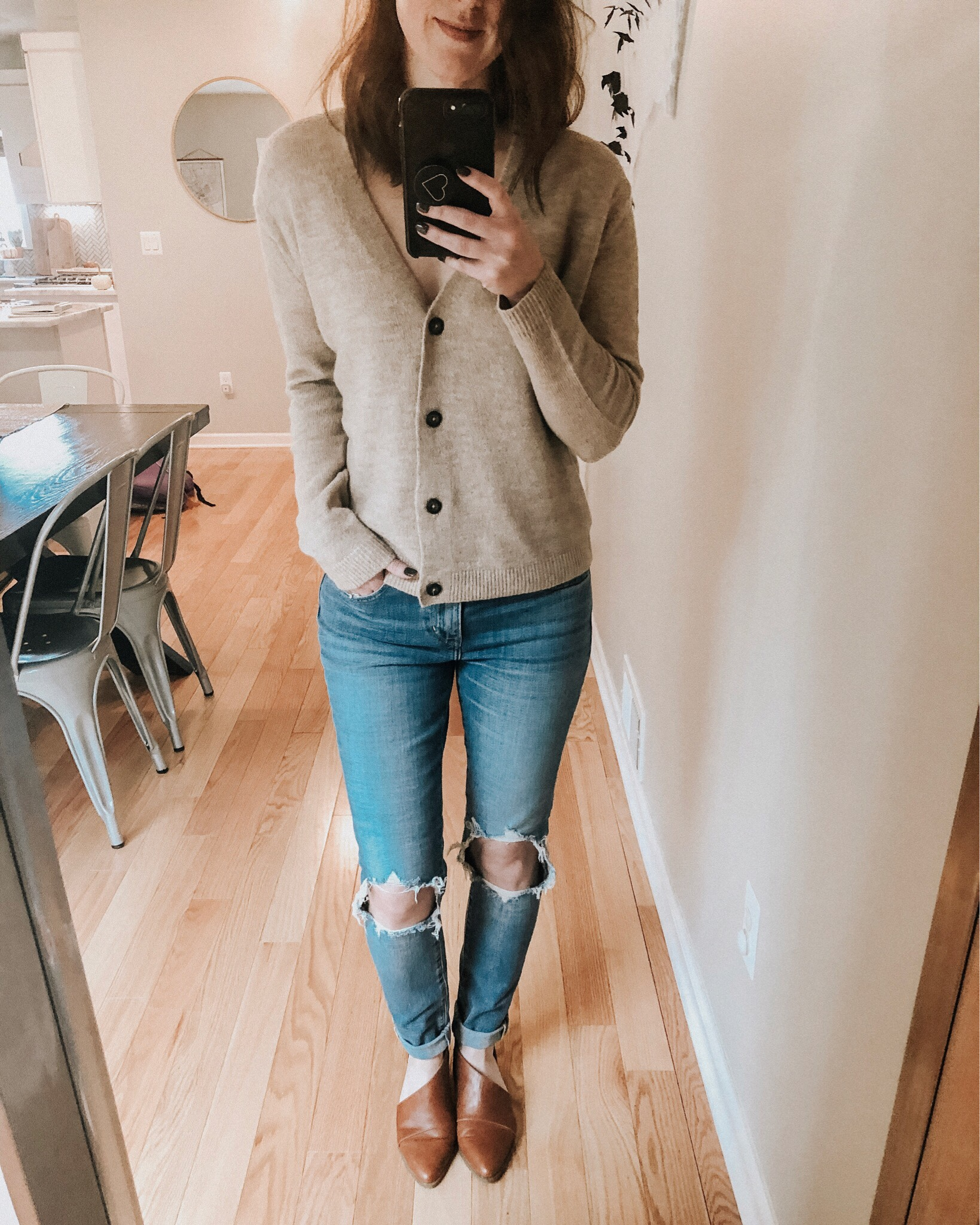 Winter sweater roundup | Daily Splendor Life and Style Blog | sweater dress #wintersweaters #fallsweater #turtlenecksweater #cozysweaters #amazon #oldnavy #oldnavysweater #cardigan #levis #mochnecksweater #darkhair #winterfashion #womensclothes #holidayoutfit #cozyclothes