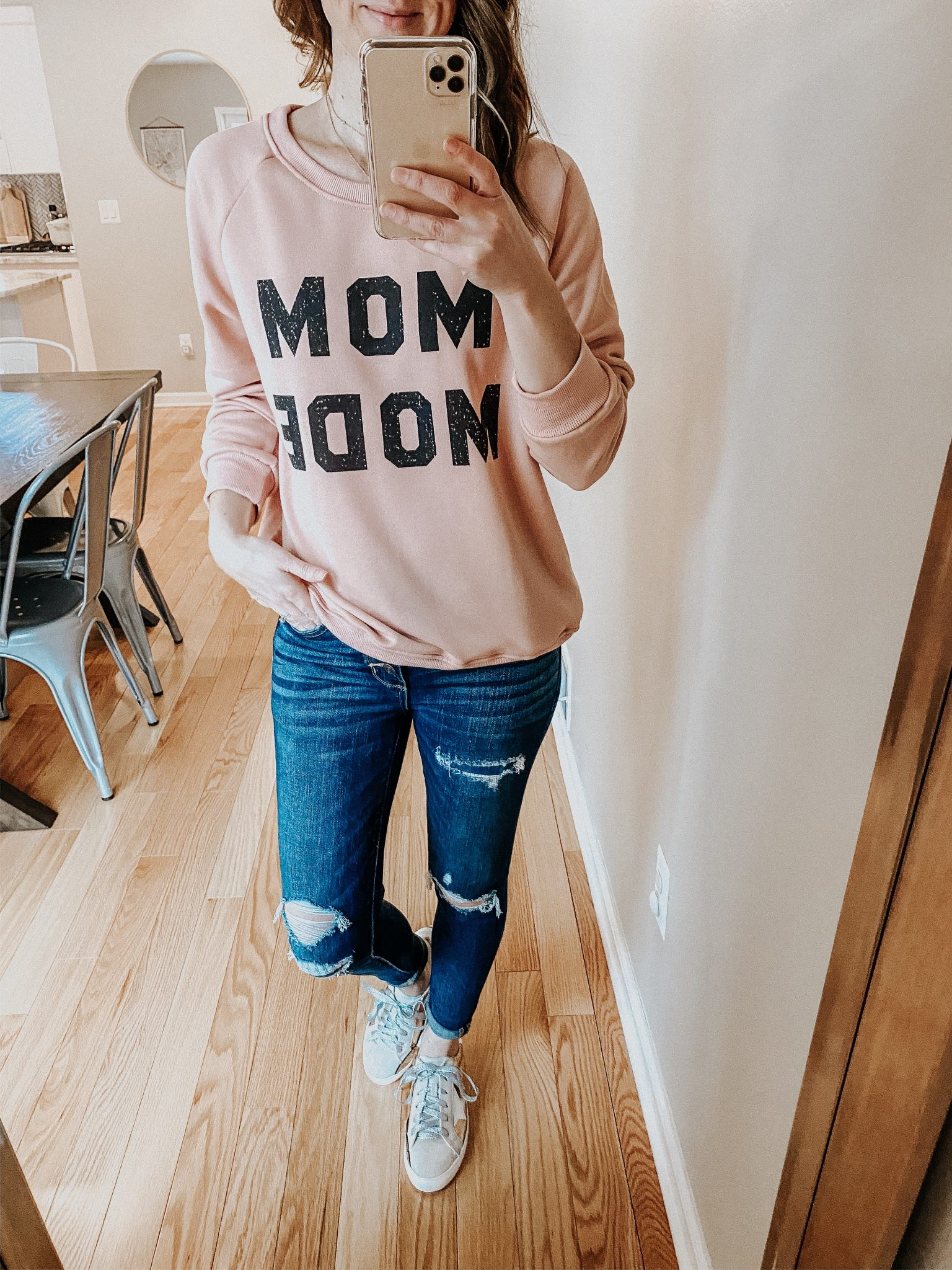 Graphic Sweatshirt Try On | Daily Splendor Life and Style Blog | Mom mode sweatshirt #momlife #momstyle #casualstyle