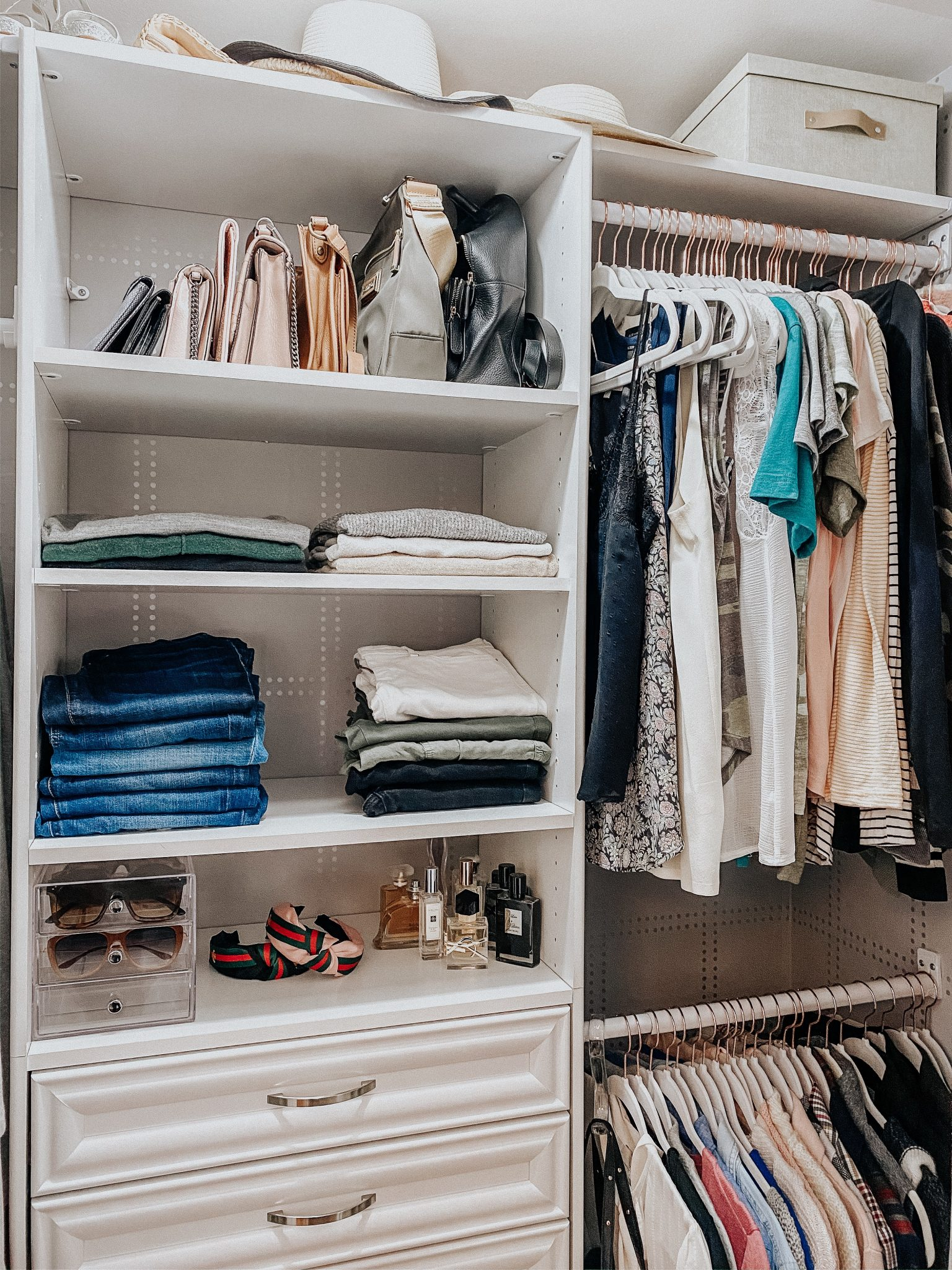 DIY Closet Makeover | Daily Splendor Life and Style Blog | finished closet #closetorganizer #smallcloset #smallspaces #organizedcloset #semicustomcloset #budgetcloset #diycloset #diyhomeproject #thehomedepot #homedepot #thecontainerstore #closetmaid #wallpaper