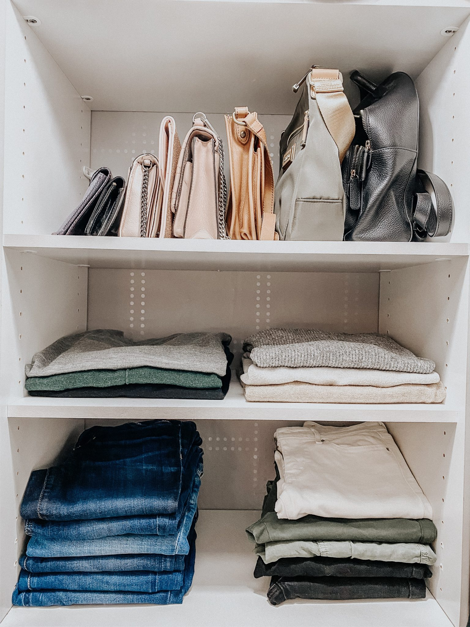 DIY Closet Makeover | Daily Splendor Life and Style Blog | finished closet #closetorganizer #smallcloset #smallspaces #organizedcloset #semicustomcloset #budgetcloset #diycloset #diyhomeproject #thehomedepot #homedepot #thecontainerstore #closetmaid #wallpaper #shleves