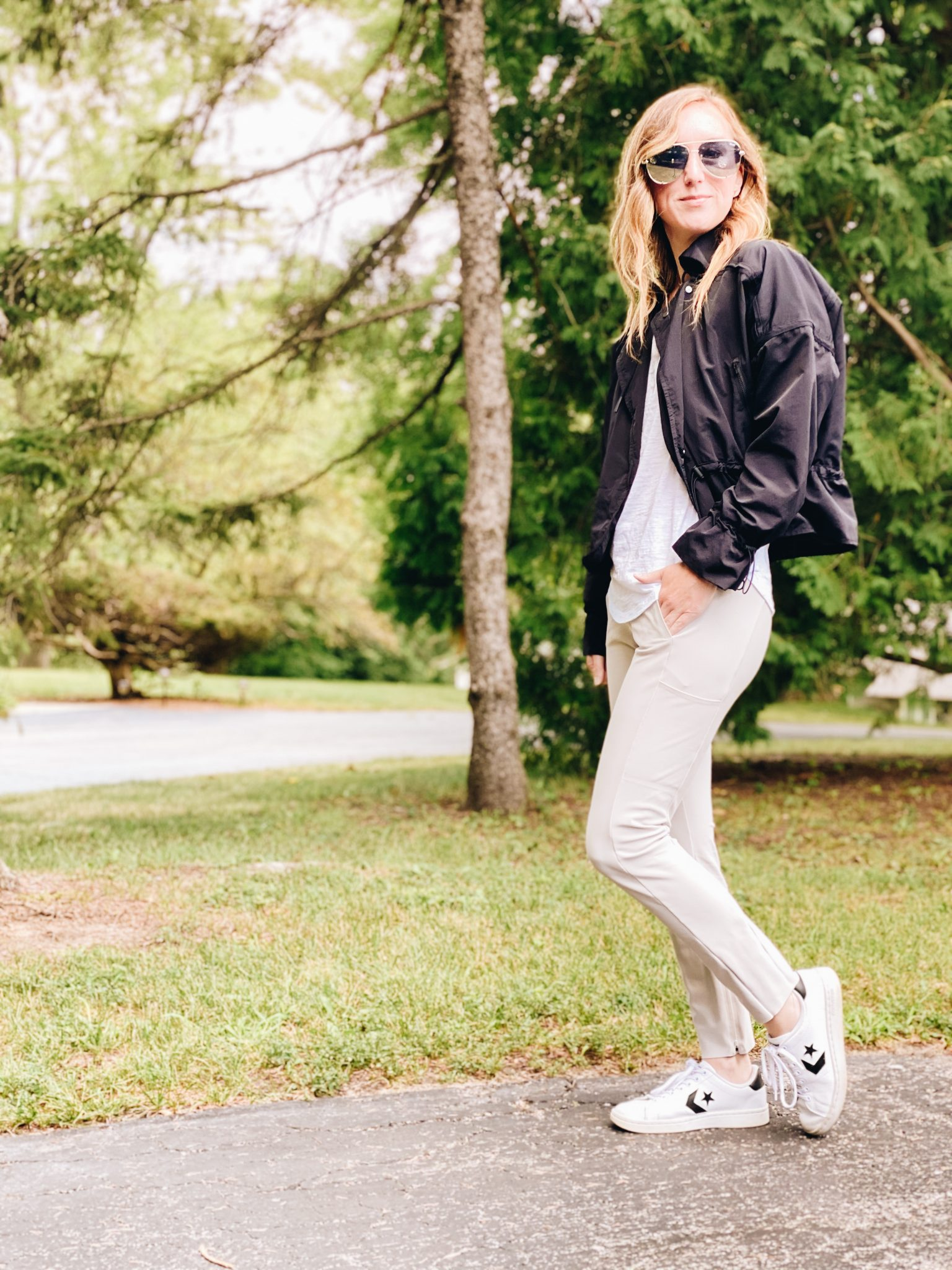 July Favorites | Daily Splendor Life and Style Blog | Athleta Trouser and Quay Aviators #activewear #casualstyle #athleta #momstyle