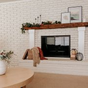 Fall living room accents | Daily Splendor Life and Style Blog #falldecor #falllivingroom #manteldecor #fallfireplace