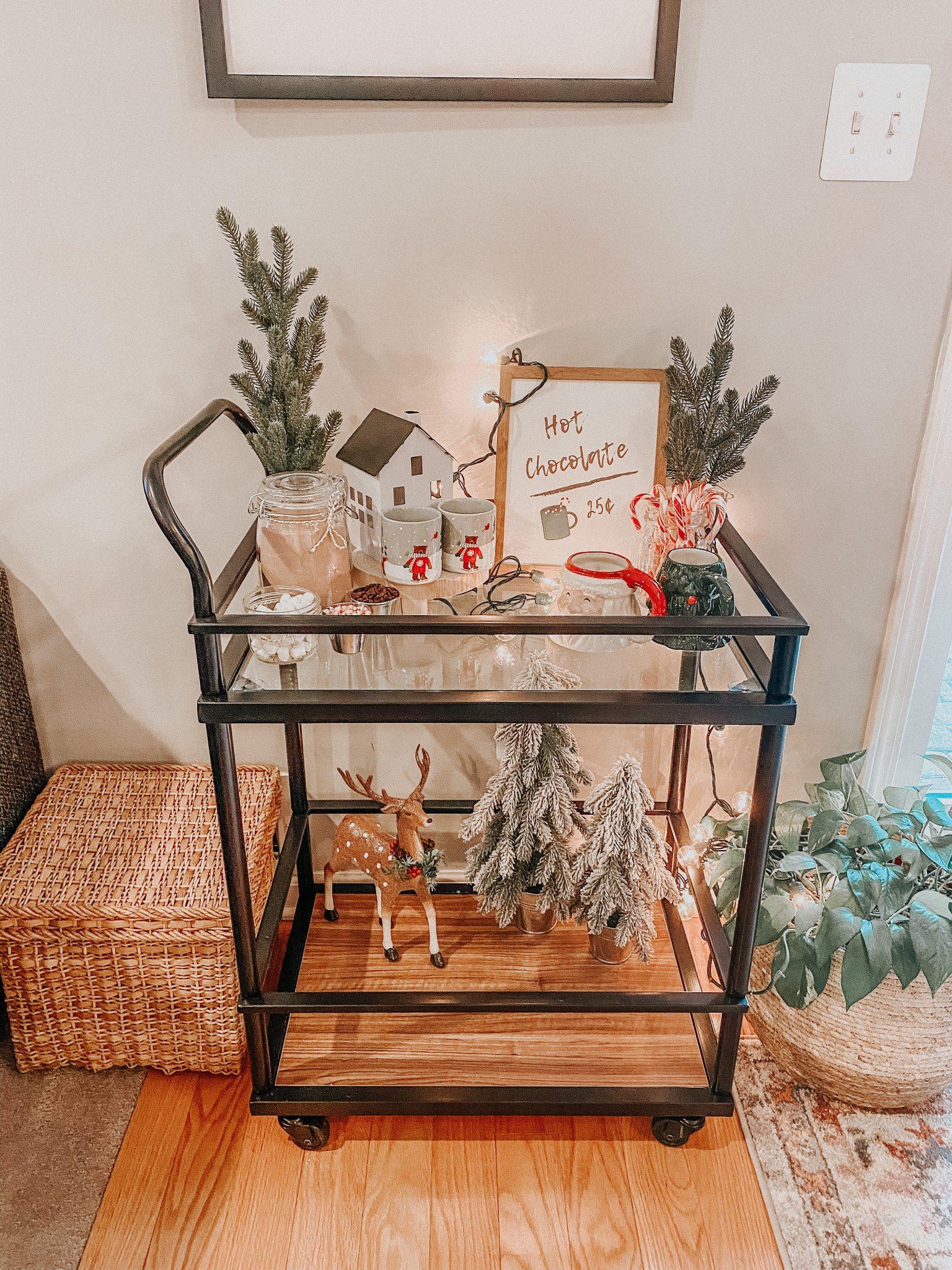 Christmas Home Tour | Daily Splendor Life and Style Blog | Christmas Dining Room #barcart #hotchocolatebar #kidschristmas