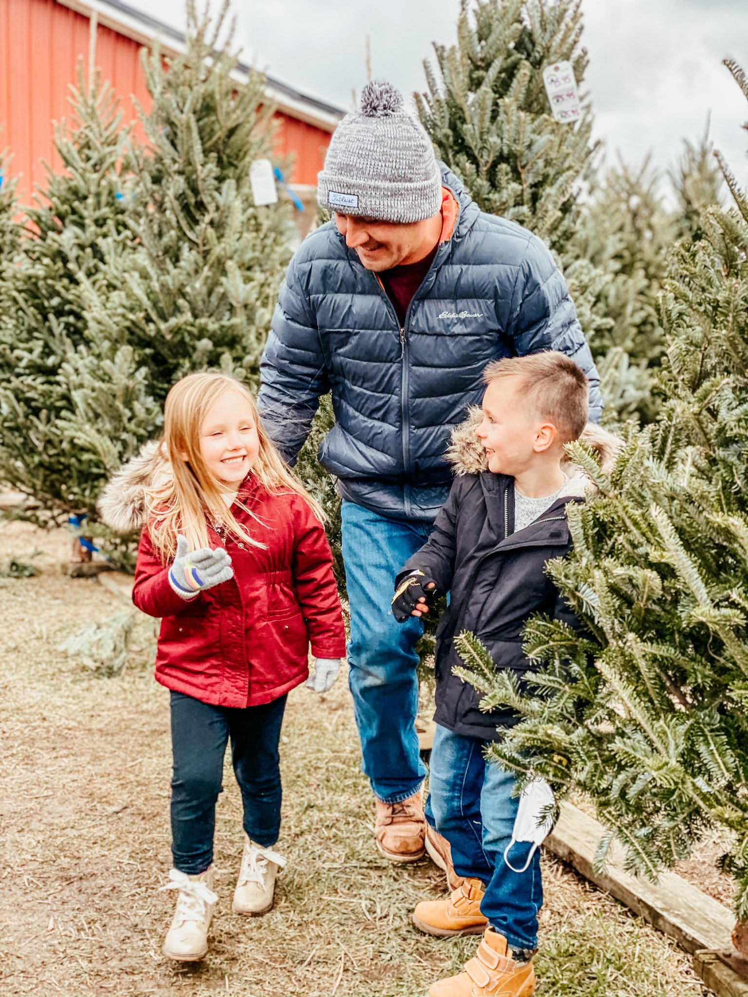 Winter outings with the family | Daily Splendor Life and Style Blog | Dad and Kids #familychristmas #holidayfestivities #familyadventures #chevytahoe #2020activities #lifewith littles #Christmastree #momlife
