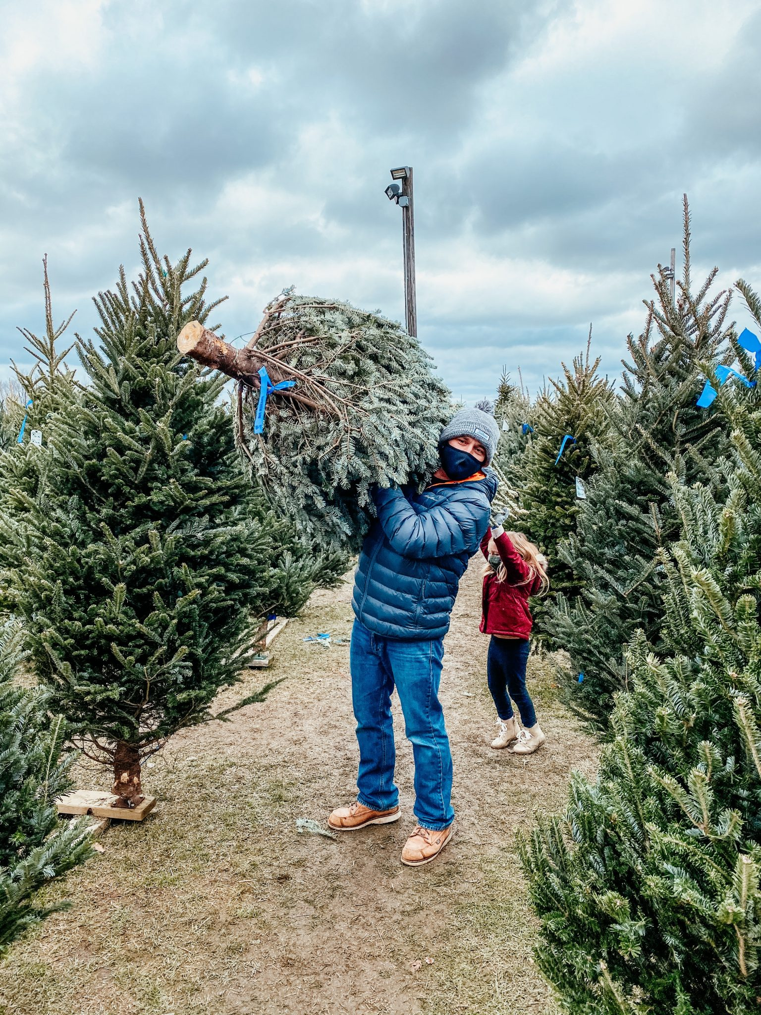 Winter outings with the family | Daily Splendor Life and Style Blog | Christmas Tree #familychristmas #holidayfestivities #familyadventures #Christmastree