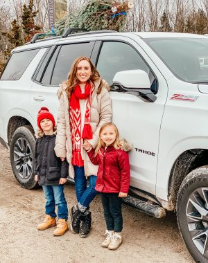 Winter outings with the family | Daily Splendor Life and Style Blog | Mom and Kids #familychristmas #holidayfestivities #familyadventures #chevytahoe #2020activities #Christmastree #momlife
