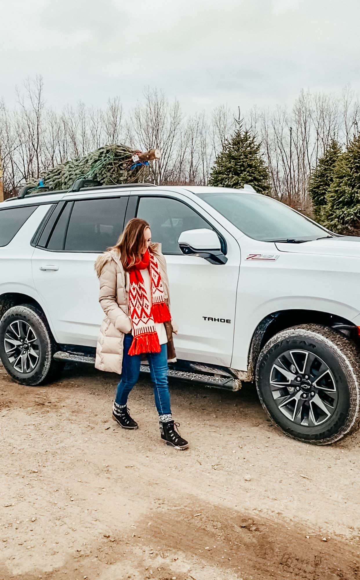 Winter outings with the family | Daily Splendor Life and Style Blog | #familychristmas #holidayfestivities #familyadventures #chevytahoe #2020activities #Christmastree #momlife