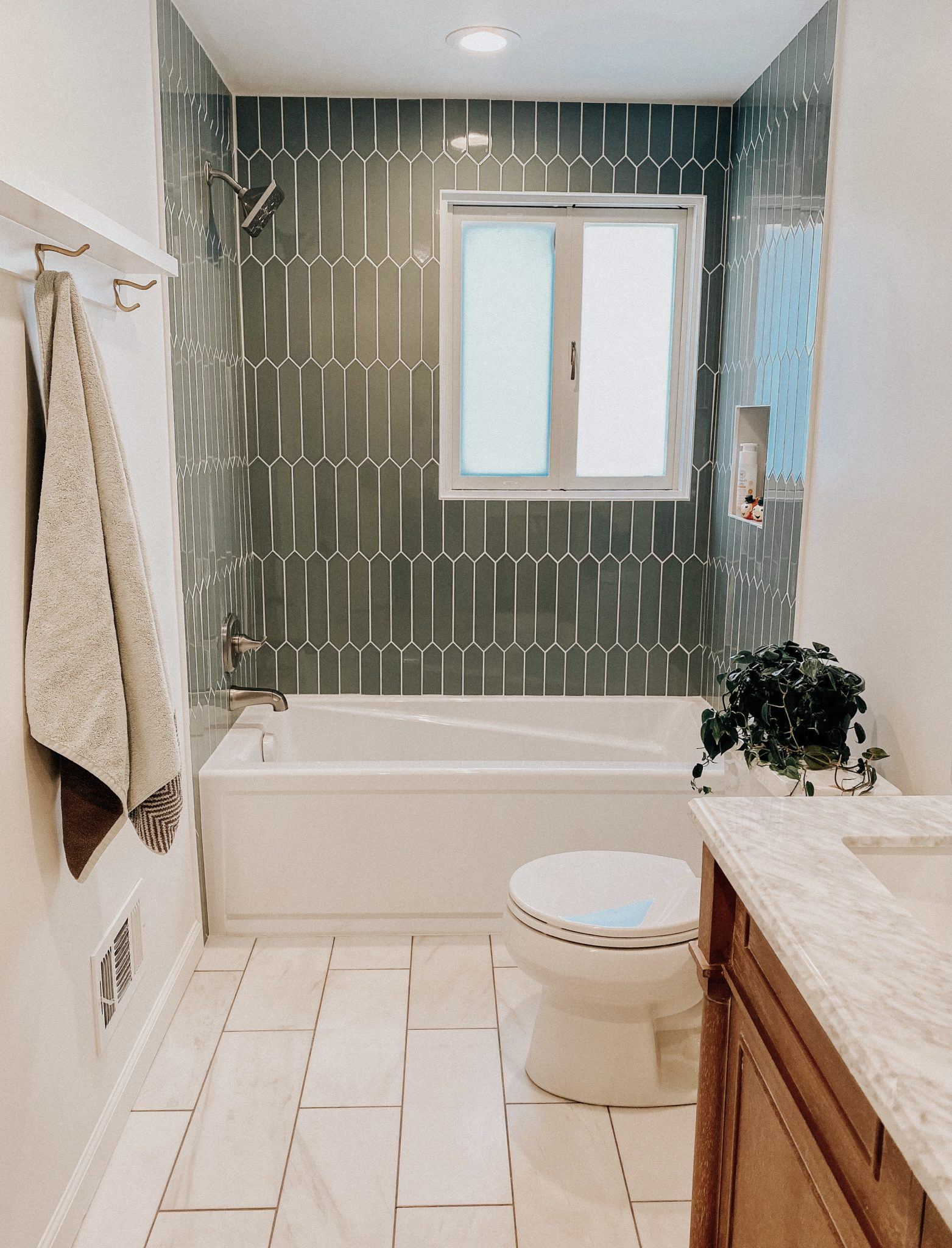 Bathroom reno progress, a favorite recipe and more | Daily Splendor Life and Style Blog | finishing up the bathroom renovation #pickettile #coastalbathroom #designideas #interiordesign #renovationprogress #homerenovation #bathroomrenovation